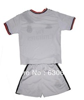 Since 13/14 Thailand Quality Real Madrid home white soccer jersey + shorts kids sets. Royal soccer uniforms, size :16-28