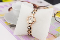 W36 Min.Order $8 (Mix Order) Wholesale 2013 New Fashion Brand Top Quality Alloy Heart Women Watch