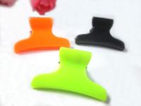 Wholesale Free shipping New Design 144pcs/lot 3cm cute plastic mini color kids hair claw
