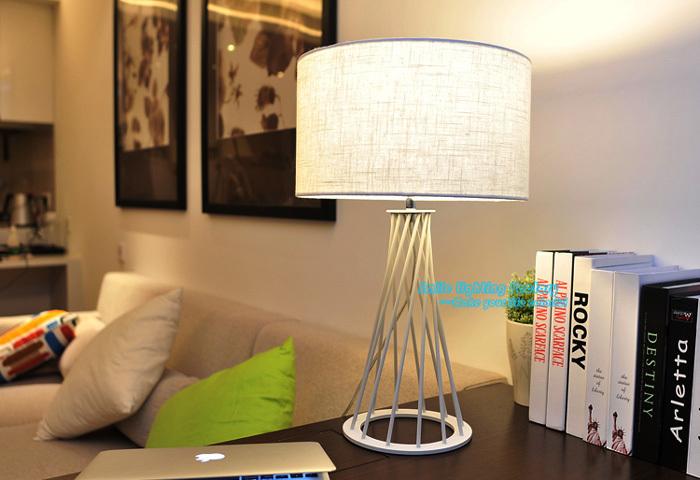 Gratis verzending creatieve trendy design oorspronkelijke houten tafel lamp hedendaagse witte - Eigentijdse bed tafel ...