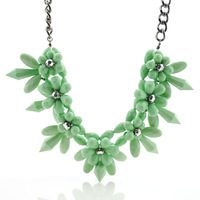 Hot sale Fashion New Acrylic Flower Luxury Cute Princess Necklaces Chunky Collares Statement Bib Costume Jewelry Christmas 2014