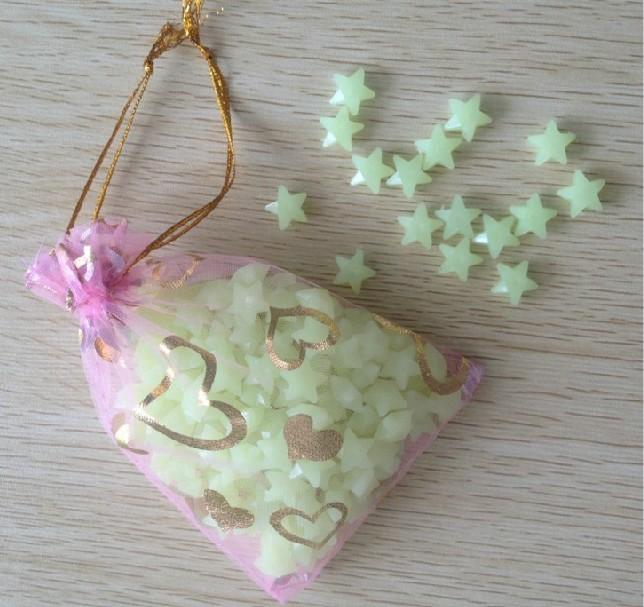 Diy luminosa desejando estrelas luminosas lucky1cm / estrelas 200 stars um conjunto decoratior moda bonito sala sofá da de família(China (Mainland))