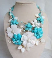 WWL/FreeShipping!!!   &    STUNNING NECKLACE MIXED WITH  TURQUOISE   FLOWER  AND SHELL BEADS