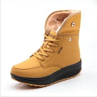Livraison gratuite cales des femmes espadrilles de mode d'hiver nu. bottes de neige chaussures de jogging chaussures en peluche augmentation de la hauteur chaussures