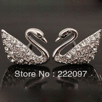 Wholesale Rhinestone Crystal Austria genuine classic Little Swan Ms. pierced earrings 1116357 Mother's Day Gifts Free shipping