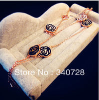 Vintage Luxury Long sweather CC Desgine Classic Black Gold Camellia Rose Flower Pendants Chain Necklace With Gold and Crystal