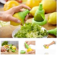 2PCS Fruit Spray Tool Mini Squeezer Hand Juice Extractor Juicer Fruit Citrus Lemon Orange Lime Sprayer Kitchen FREE SHIPPING