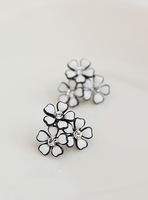 Fall in love white gentlewomen fresh brief fashion stud earring