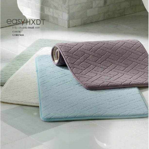 Badkamer tapijt badmat badkamer ontwerp idee n voor uw huis samen met meubels die - Tapijt badkamer hout ...