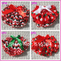 12pcs/lot free shipping Christmas bloomers for baby kids toddler christmas chevron bloomers shorts diapers in stocks