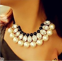 Free Shipping ! Min order $10 ( small wholesale) fashion pearl necklace in different color chunky statement necklace korea style