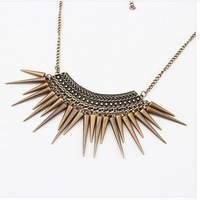 X063 European and American fashion retro fashion factory outlets exaggerated conical rivets tassel necklace Yangtze River Delta