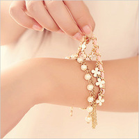 1219 aesthetic gentlewomen pearl four leaf clover bracelet hand ring 2013 spring accessories