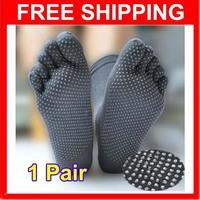 New Promotion Men's Healthy Care Yoga Sports KARATE NON SLIP GYM Massage Five Fingers Toe Socks