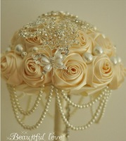 Free Shipping Elegant Ivory  Artificial Decoration High Quality Rose Flowers Bridal Brooch Bouquet Wedding Pearl Bouquets