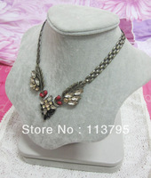 Free shipping * Wholesale burnish gold alloy clear and champagne rhinestones vintage leaves chokers necklace fashion womnen