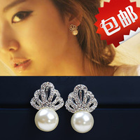 Free shipping Fashion crown earrings Pearl stud earrings Cheap new promotion Send gifts