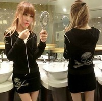 Free shipping  Womens Leisure Rhinestone/Dimond VelvetSkull Nightclub Sexy Black  Two-piece Including Pant  Hoody