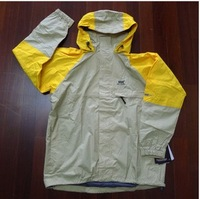 Helly Hansen HH Men outdoor jacket beige color block decoration  =YcfHH2