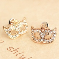Free Shipping New Arrival Brand Rhinestone Crystal Stud Earrings for Women Ladies Cute Mask Shaped Sparkling Earring Accessories