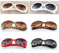 100pcs/lot New arrival fashionable Retro Inspired Round women's Sunglasses W15