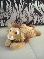 Melbourne zoo lion style plush doll wrist pillow