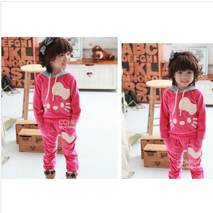 Free shipping Spring / Autumn Cute Velvet Hello Kitty Sportswear girl's suit Wine red / Red ( 5 sets / lot ) Wholesale(China (Mainland))