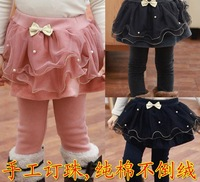 Q-070,free shipping christmas 2013 new arrive children culotte fashion pearl bow lace girls skirt pants warm winter kids legging
