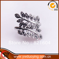 Hot Free Shipping Fashion Platinum Plated Cute Leaf Design Rings For Girl's Party Jewelry  WNR637