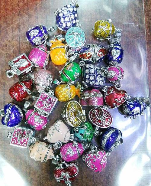 Free Shipping 20pcs/lot Mixed Wish Prayer Box Pendant Magic Perfume Locket charm pendant fit Bracelet/necklace P158-1(China (Mainland))