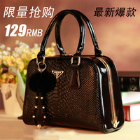 Free shipping Bags sweet 2013 women's handbag serpentine pattern bride women's vintage handbag  DH562