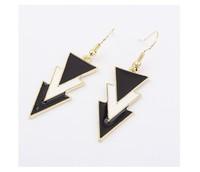 Elegant fashion princess Fanou America exaggerated fashion earrings Hot black and white triangular geometry models C152