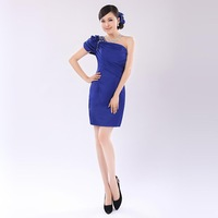 European and American fashion wedding dress oblique,Princess party dress short paragraph
