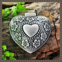 Classical fashion timpanums sculpture small heart jewelry box  Retro