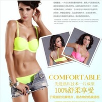 Free shipping 2 colors hot sale Seamless bra one piece bra and brief set seamless bra underwear 1/2 cup W5115