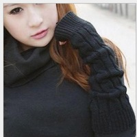 1pair (2pcs)Fashion Ski Care New Men Women Winter Fingerless Arm Mitten Twisted Gloves Loves Favorite Warmer Gloves