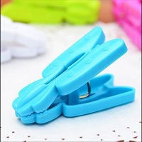 1697 Min order $10 (mix order) free shipping 2013 clothespin plastic laundry clip pea pod color hanger drying wind clip10pcs/lot