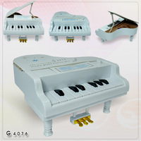 free shipping 11 key high artificial child small piano musical instrument plastic music box  red /white