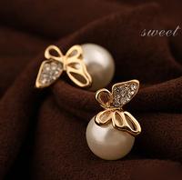 OL Temperament Round Pearl Stud Earring Gold Flying Butterfly Earring Studs For Women YE472