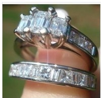 GORGEOUS Engagement/Wedding Ring 1-1/2K!