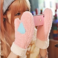 Free shipping lovely heart warm gloves winter women fashion gloves