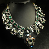 Free Shipping   / luxury necklace/ shourou* / Green glass crystal NECKLACE