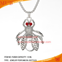 Customed fashion silver plated anlmal rhinestone necklace pendant with cosmetic perfume glass bottle necklace