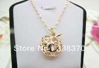 Italina Rigant brand wholesale fashion simple elegant and refined woman hollow apple necklace 76052