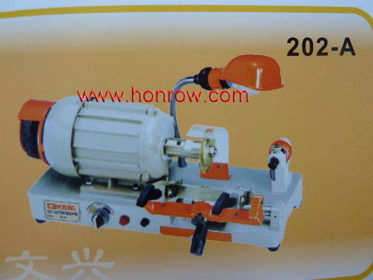 Model 202-A WenXing key cutting machine with external cutter(China (Mainland))