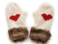 F07080 1 Pair Warm Cute Love Gloves Fashion New Style Double Velvet for Unisex Men / Women Black or White + freeshipping