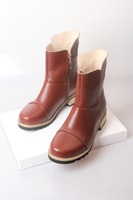 Hundred percent genuine leather casual Korean version of the British retro Martin boots big yards with handsome