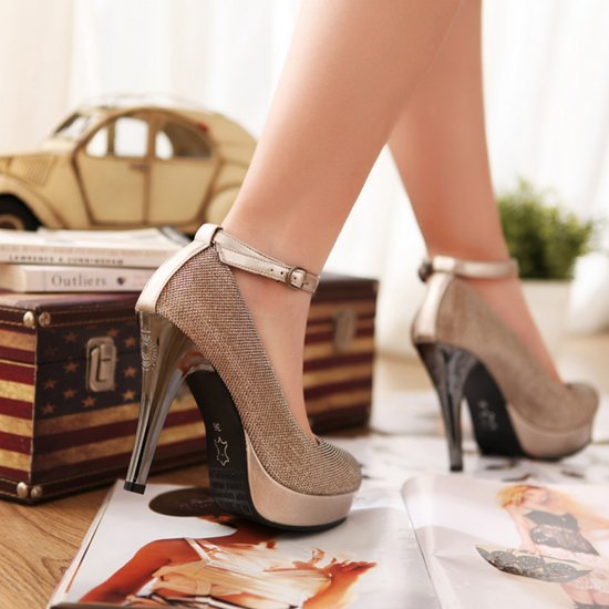 http://i00.i.aliimg.com/wsphoto/v0/1558416966_5/Glamor-Trend-New-2014-sexy-fashion-spring-summer-women-high-heels-women-pumps-size-34-39.jpg
