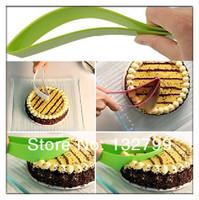 Cake Pie Slicer Sheet Guide Plastic Cutter Server Bread Slice Knife Party Kitchen Gadget New