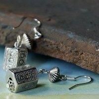Aesthetic tibetan jewelry small lantern tibetan jewelry anti-allergic tibetan silver earrings